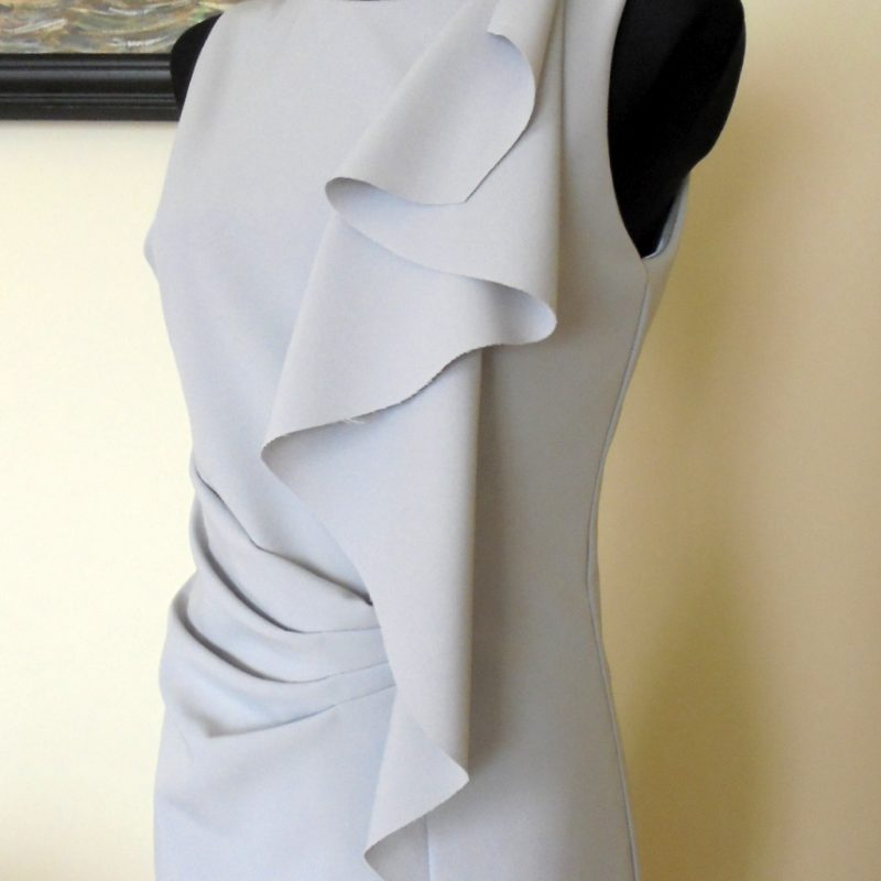 Sukienka koktajlowa z falbaną